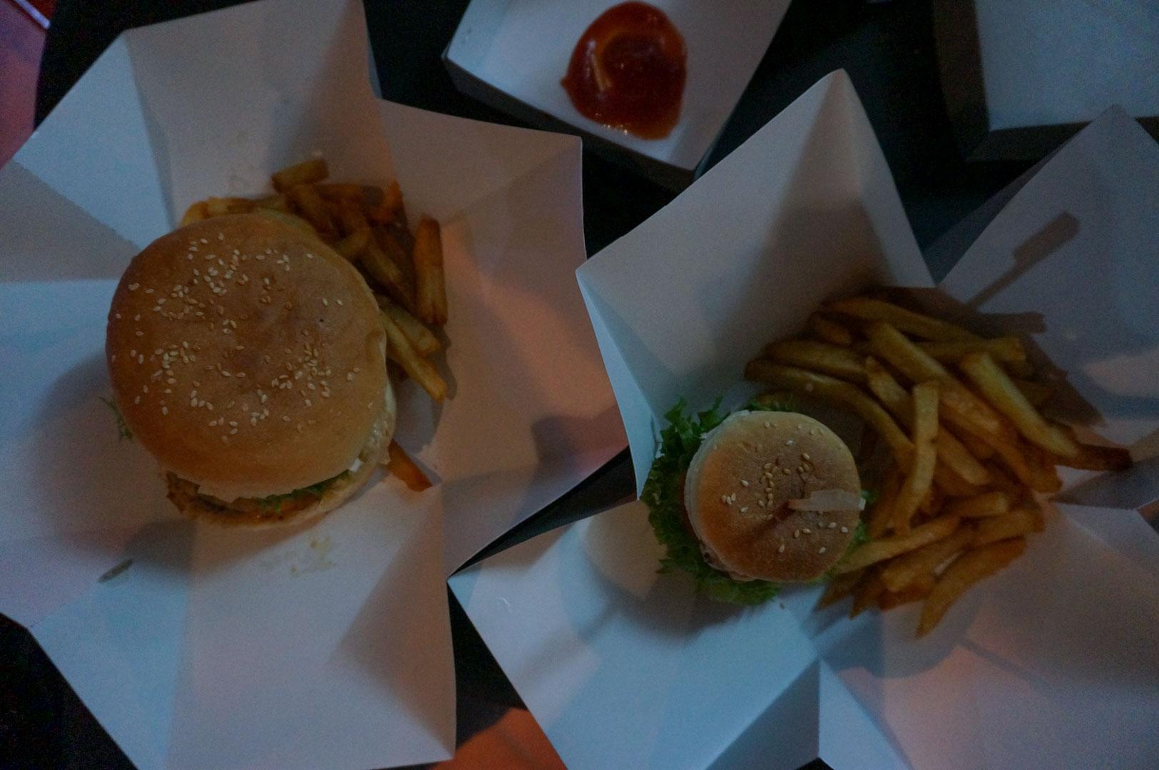 Suptnik Burger Vientiane
