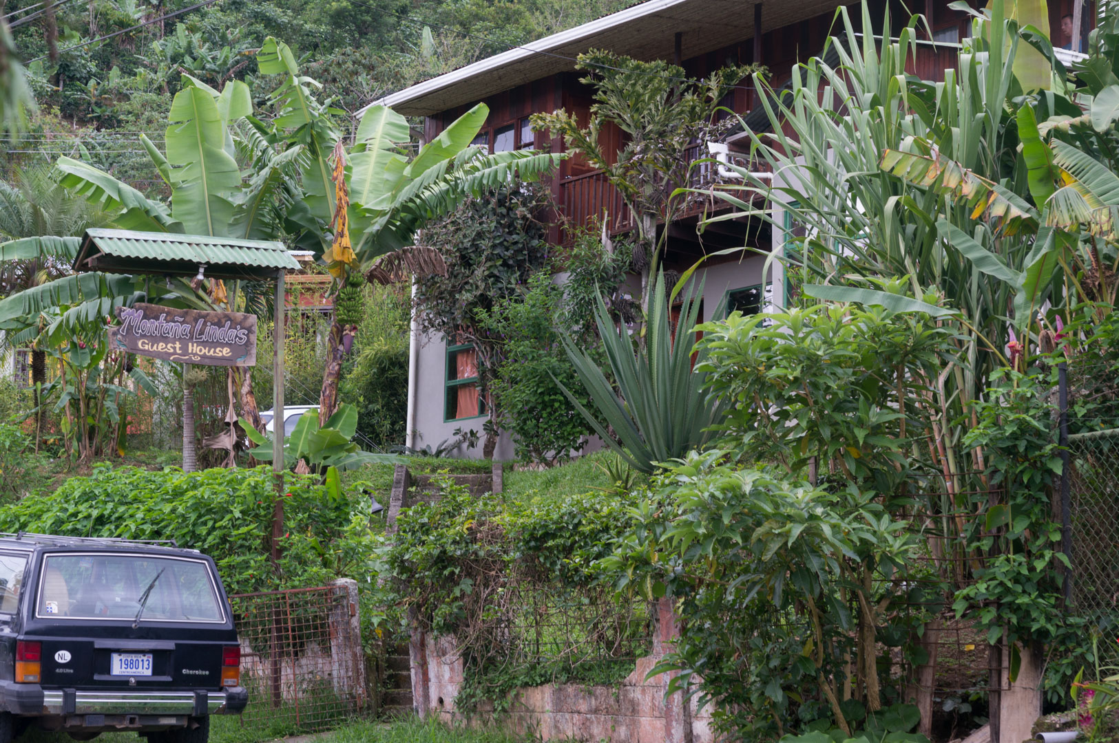 Orosi Tal Mana Linda Guest House