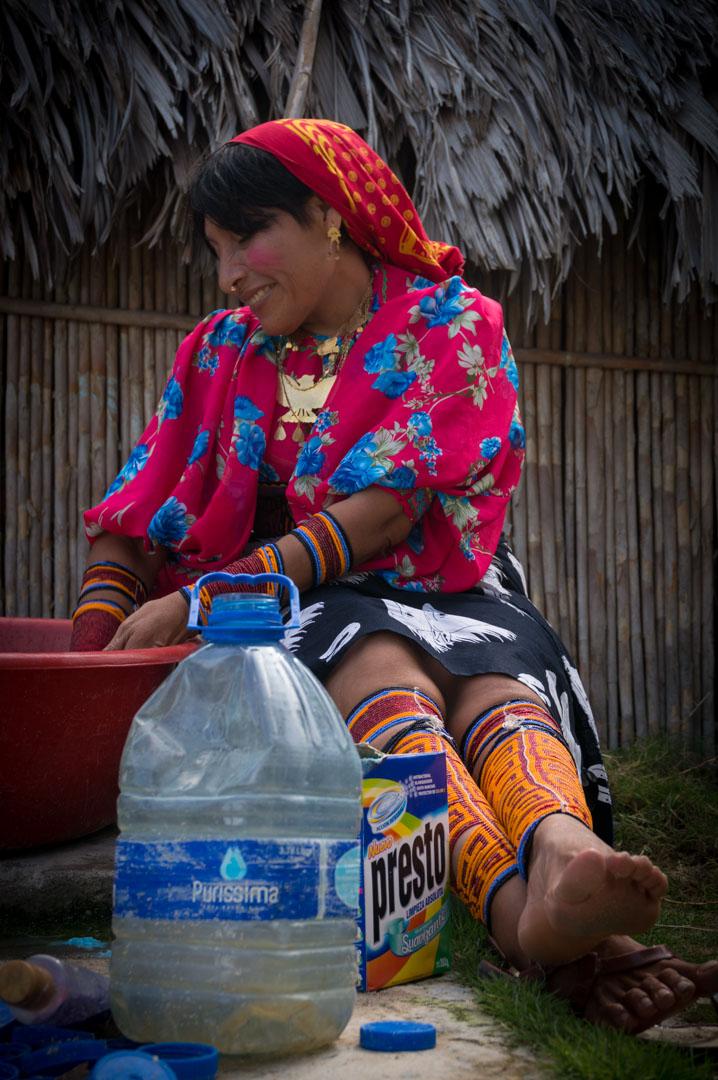 Kuna Traditionelle Bekleidung
